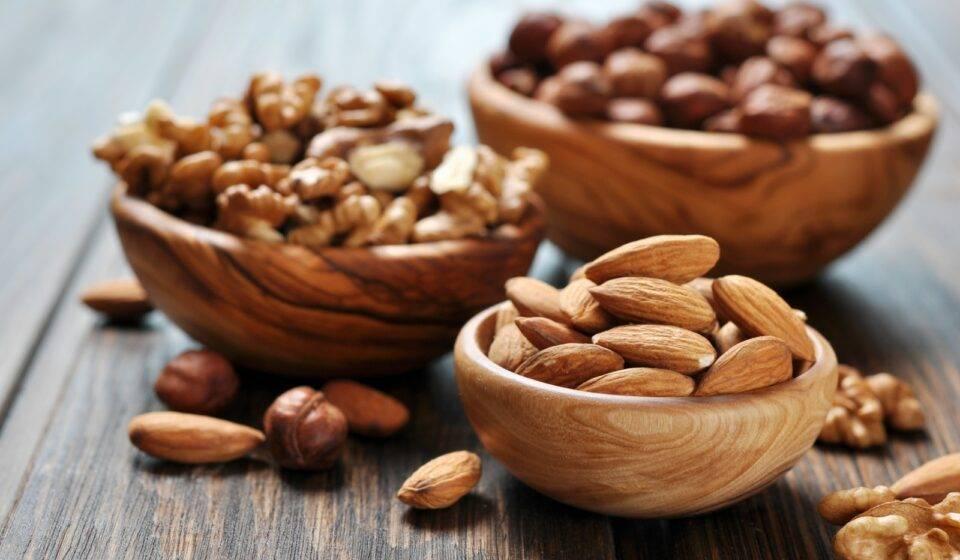 Орехи при воспалении поджелудочной железы: польза и вред