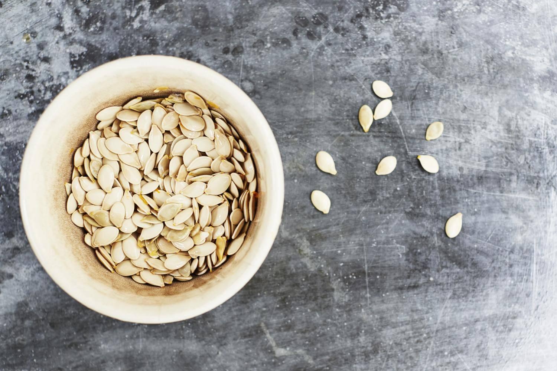 Как употреблять семечки кабачка: польза и вред