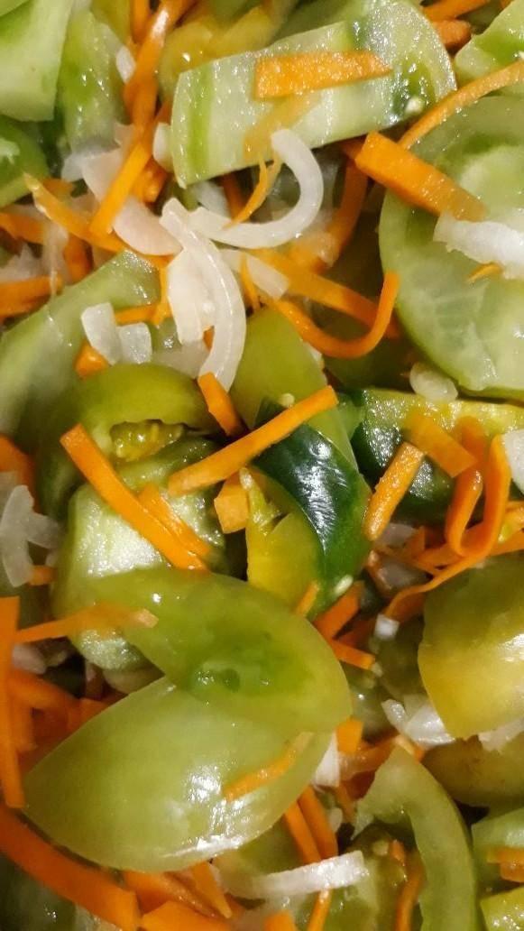 Салат из зеленых помидор на зиму — 10 простых рецептов