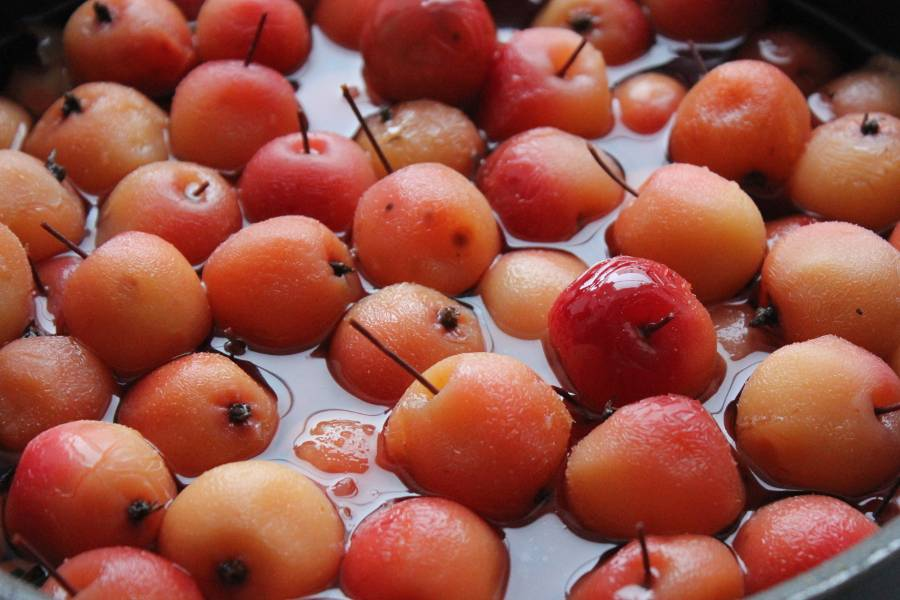 Прозрачное варенье из райских яблок с хвостиками