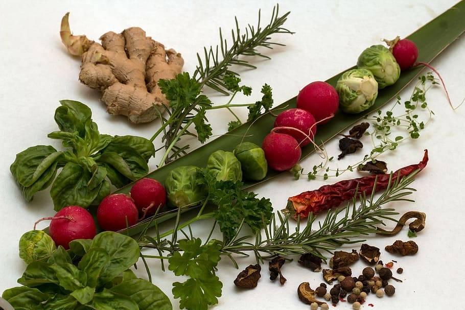 Приправы для первых и вторых блюд из зелени на зиму: лучшие рецепты и секреты приготовления