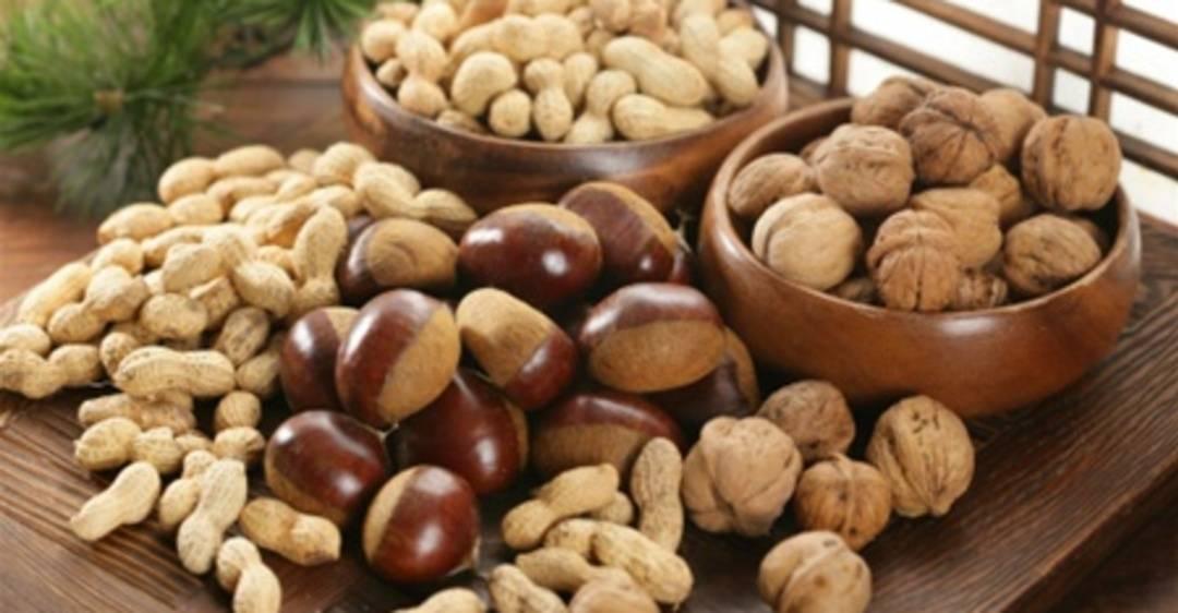 Жареные и сырые орехи: польза, употребление