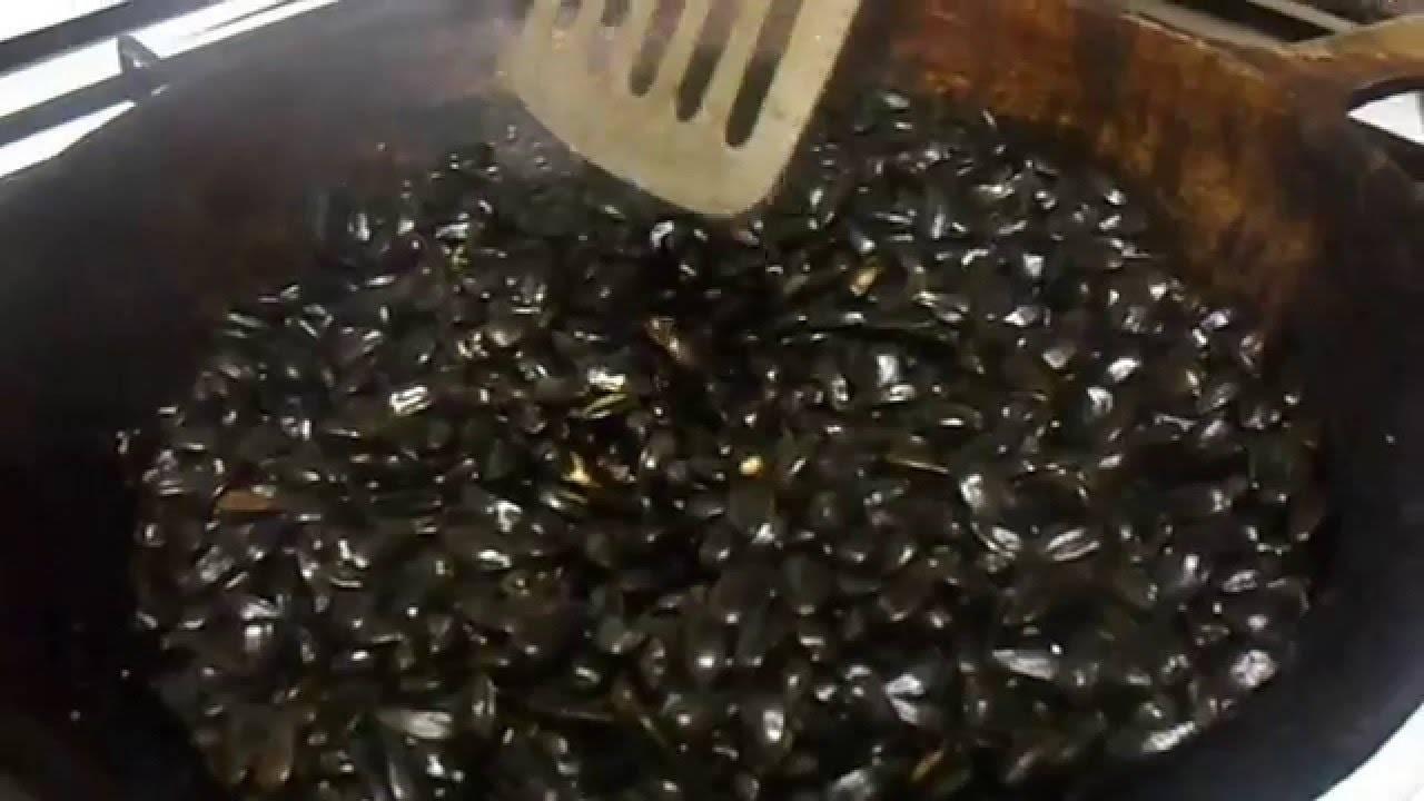 Как правильно жарить семечки на сковороде с солью