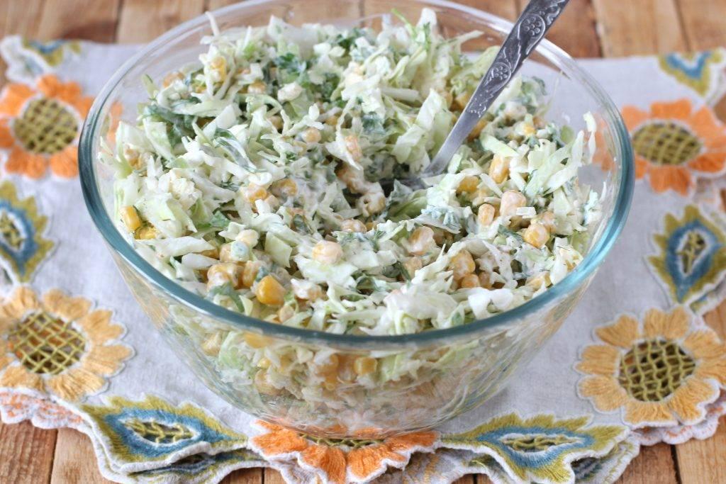Салат из капусты с солеными огурцами