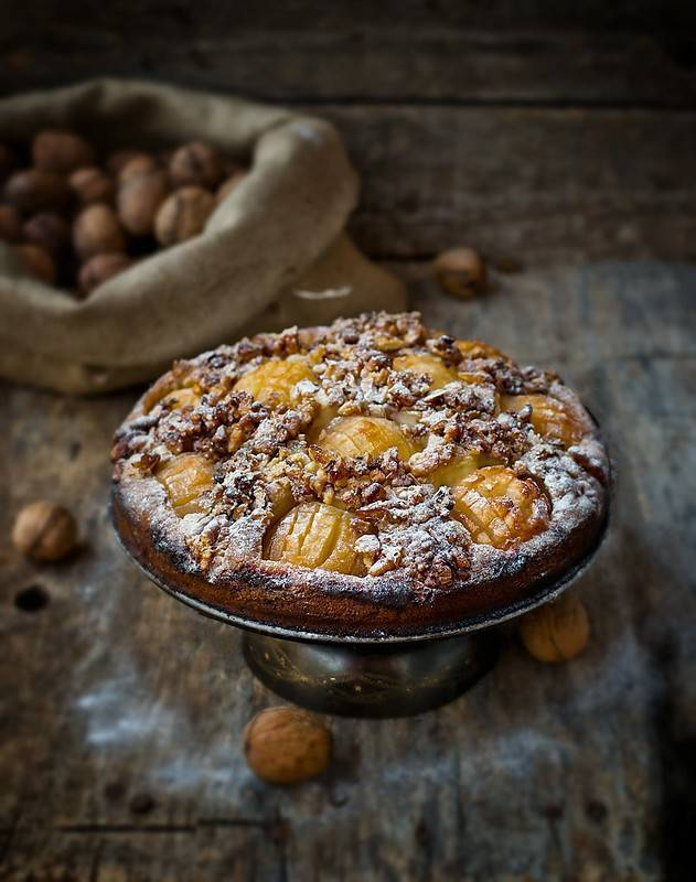 Пирог с яблоками и орехами – кулинарный рецепт
