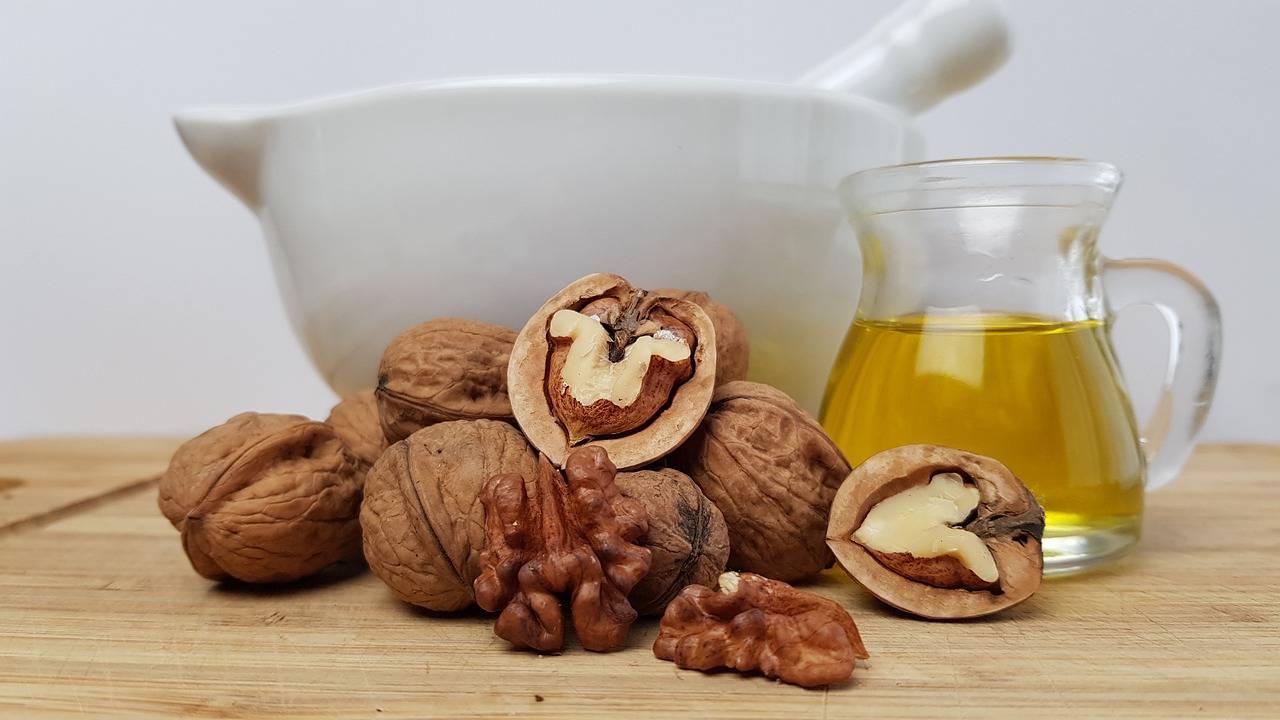 Польза и вред грецких орехов при беременности