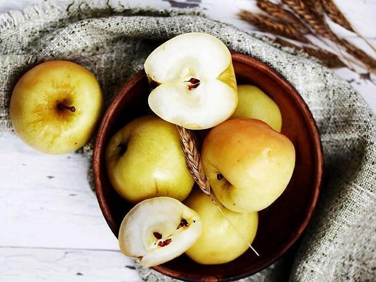 Мочёные яблоки в домашних условиях: рецепты