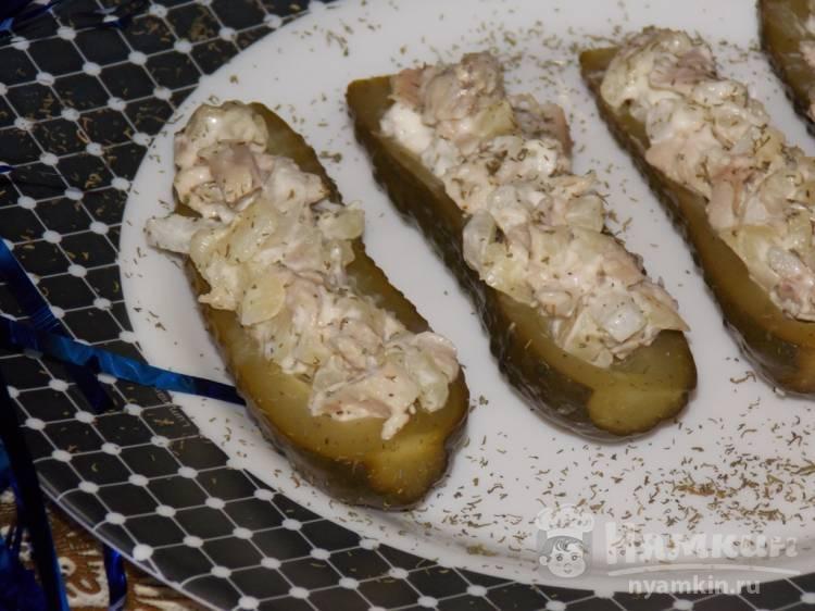 Огурцы соленые жареные, фаршированные сухарями