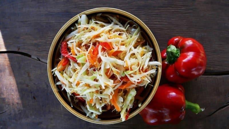 Маринованная капуста с болгарским перцем быстрого приготовления – 6 рецептов