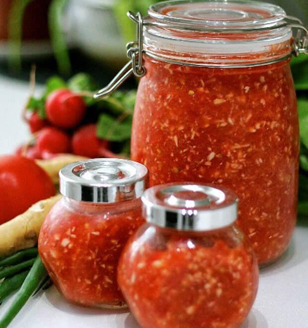 Хреновина с помидорами красными, желтыми и зелеными - рецепты с чесноком, перцем и яблоками