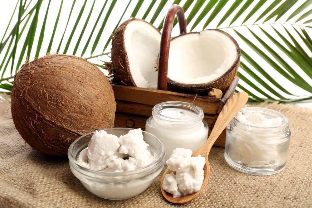 Применение кокосового масла для лица от морщин, прыщей и прочих проблем кожи, отзывы косметологов и применявших средство