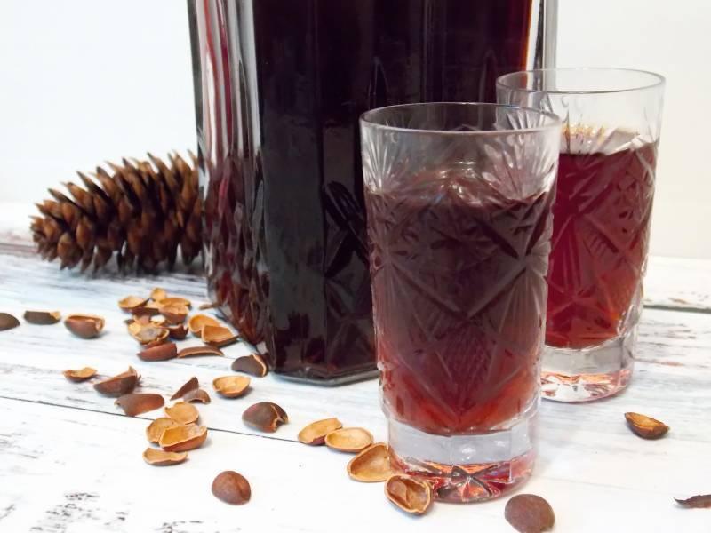 Напиток сибирских богов – самогон на кедровых орехах