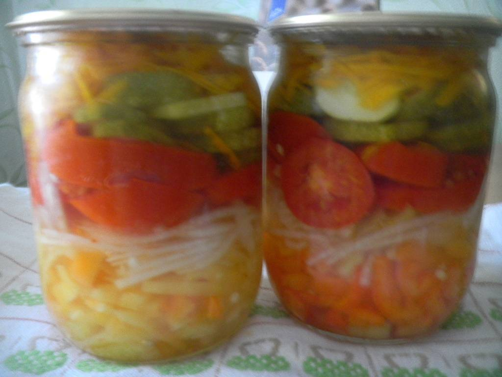 Салат из помидоров и огурцов на зиму – 10 рецептов с фото