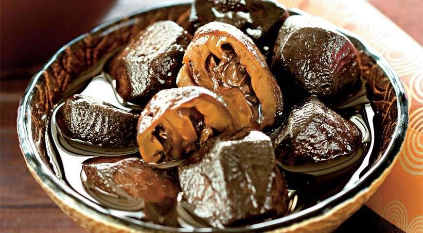 Варенье из зеленых грецких орехов