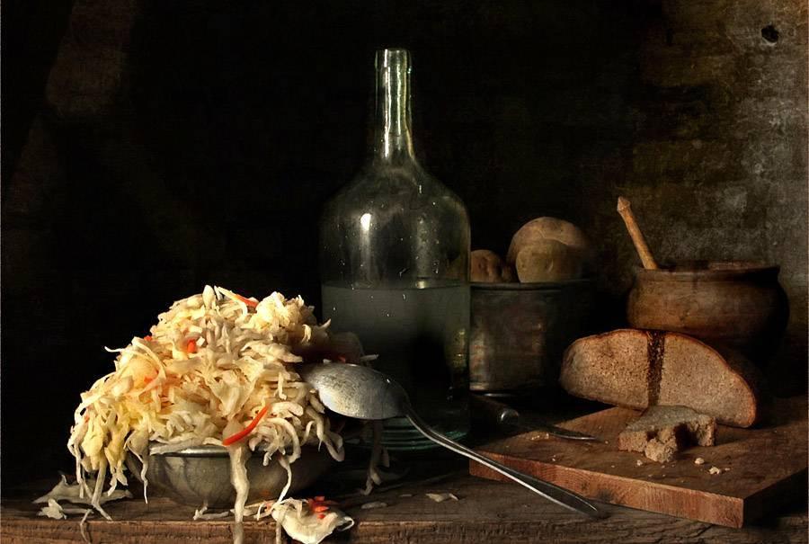 """Капуста с водкой на зиму: соленая, квашеная в банке, маринованная """"хрустальная"""", советы по приготовлению и хранению"""
