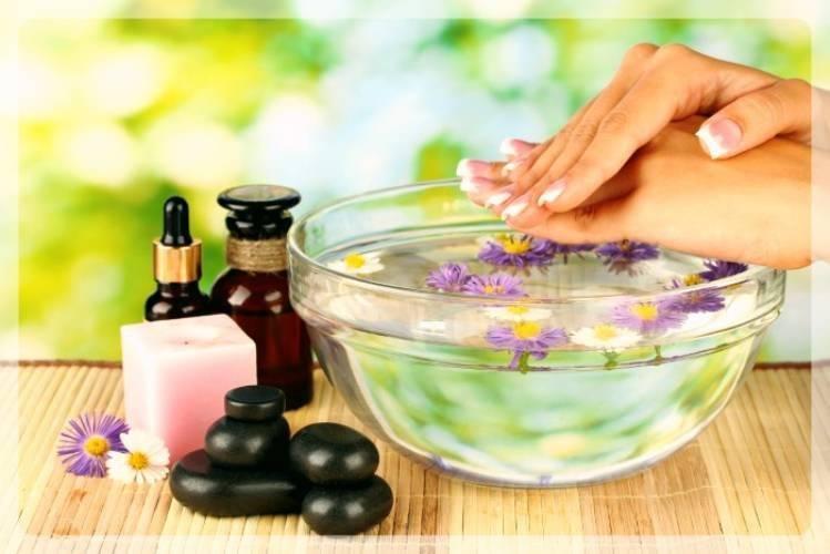 Применение миндального масла для кутикулы, ногтей и кожи рук, а также его использование при приготовлении эффективных косметических средств в домашних условиях