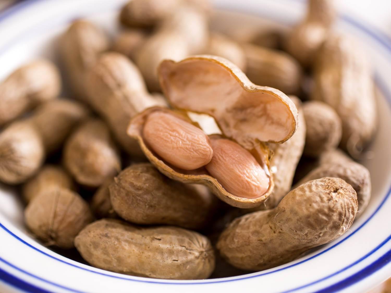 Арахис: вред и польза сырого, жареного ореха. дневная норма, состав