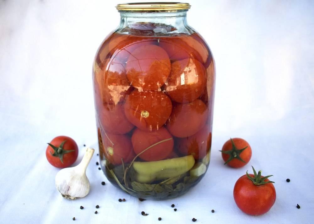 Соленые помидоры на зиму в банках — очень вкусные и простые рецепты