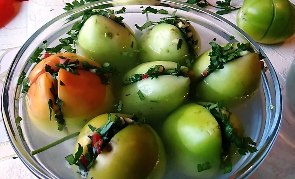 Зеленые помидоры на зиму в банках — 8 вкусных простых рецептов