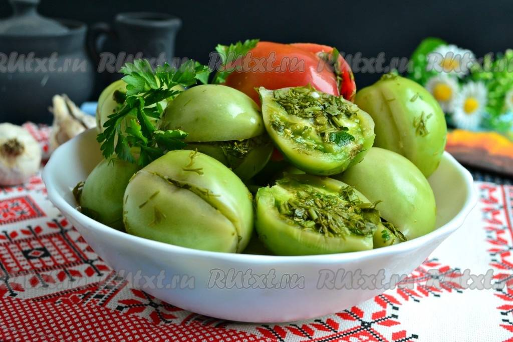 Квашеные зелёные помидоры: рецепты приготовления закуски в домашних условиях