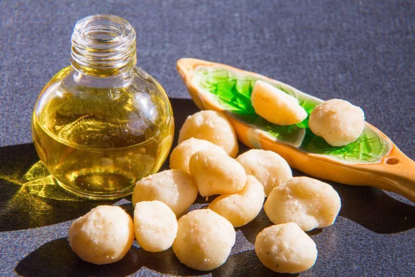 Советы применения масла лесного ореха для чувствительной и увядающей кожи лица и тела