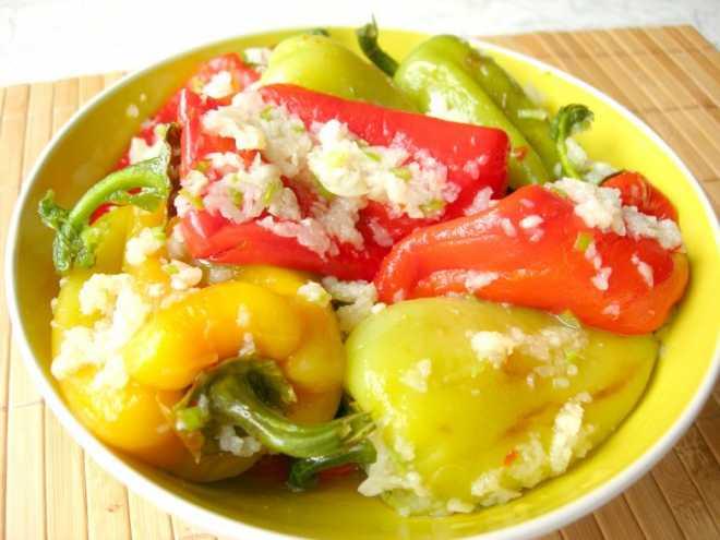 Салат из сладкого печеного перца с томатом. консервирование. салаты и закуски