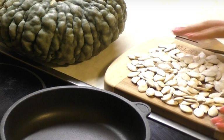 Как сушить тыквенные семечки в домашних условиях правильно: в духовке или микроволновке?