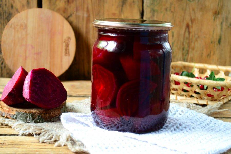 Консервирование свеклы на зиму: рецепты в банках без стерилизации, вареная с уксусом, как мариновать с помидорами, молодой ботвой, фасолью