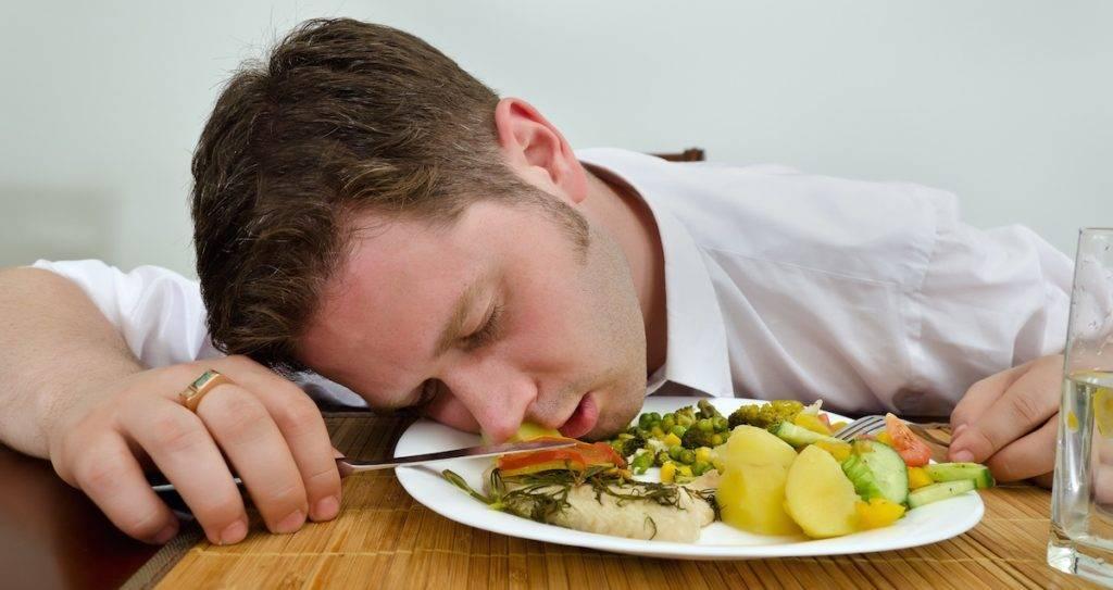 Пищевое отравление: причины, симптомы, лечение | энтеросгель