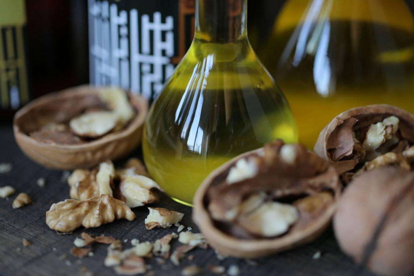 Масло грецкого ореха польза и вред: применение для лечения