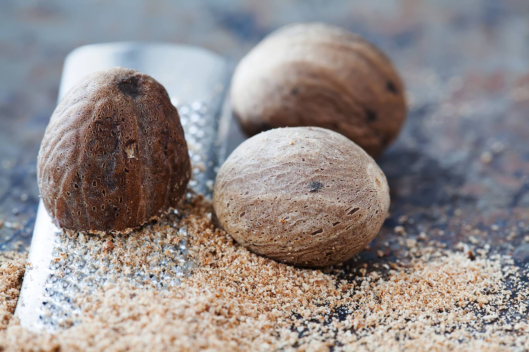 Мускатный орех: полезные свойства и противопоказания, 8 народных рецептов