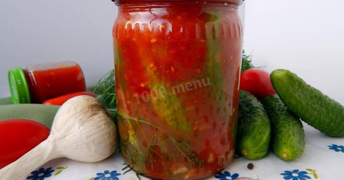 Огурцы с томатным соусом и аджикой