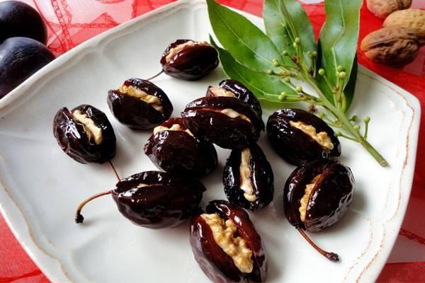 Использование сливы и ёшты в качестве уплотнителей для сада грецкого ореха