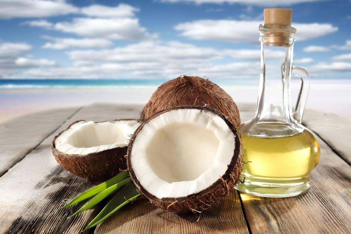 Польза и вред кокосового масла, применение для волос, лица, тела, отзывы
