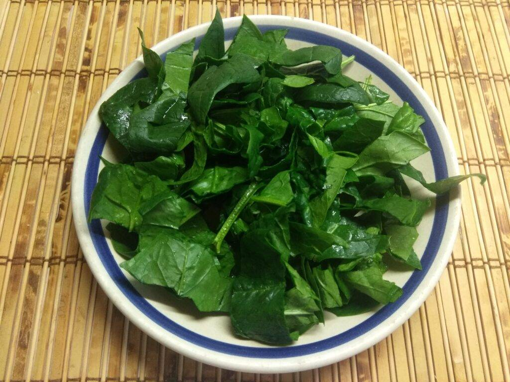 Щи зеленые (из консервированных щавеля и шпината). я никого не ем