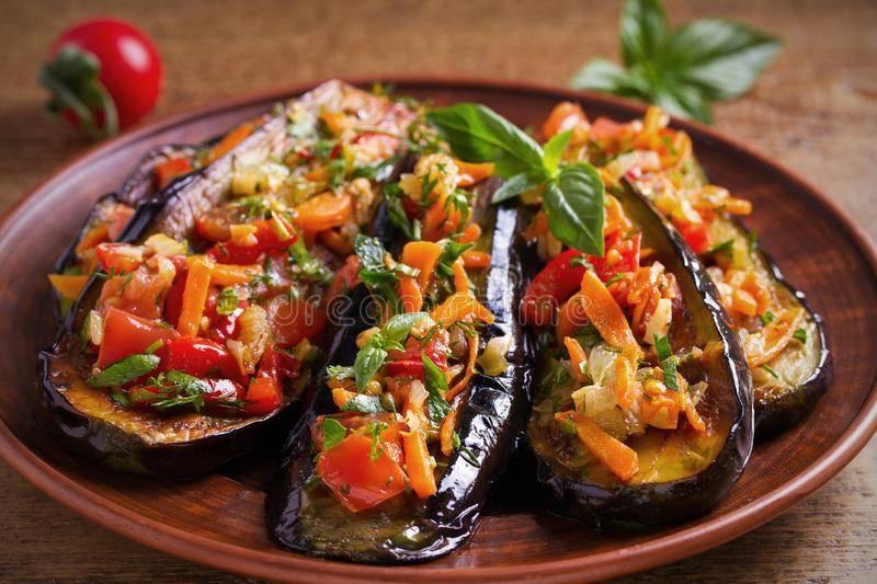 Рецепт квашеных баклажанов, фаршированных морковью и чесноком — лучшая закуска на зиму