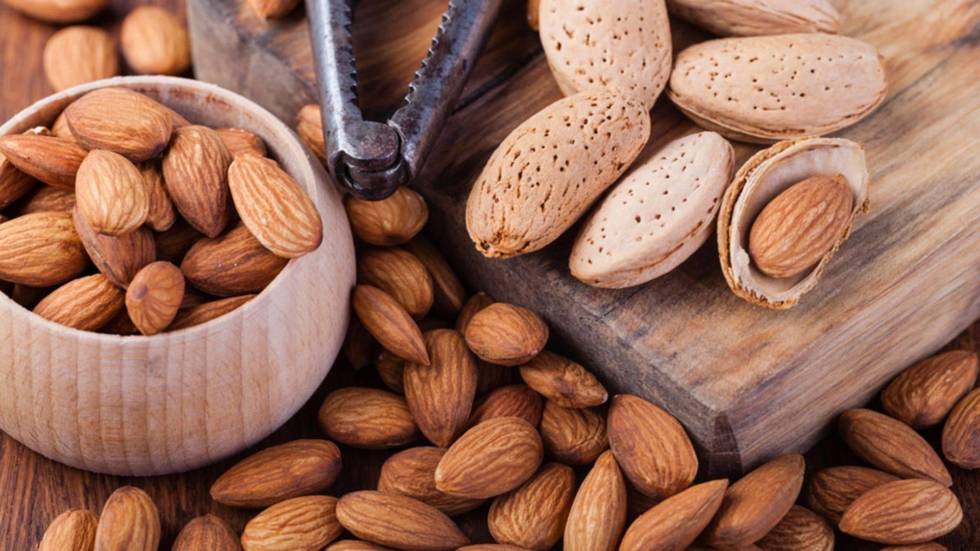Миндаль — лучший орех для женщин?