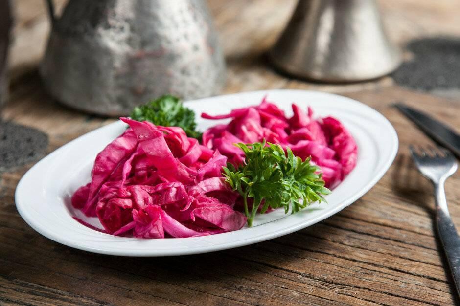 Капуста со свеклой маринованная (быстрого приготовления) – гармония вкуса. лучшие рецепты быстрой капусты с маринованной свеклой