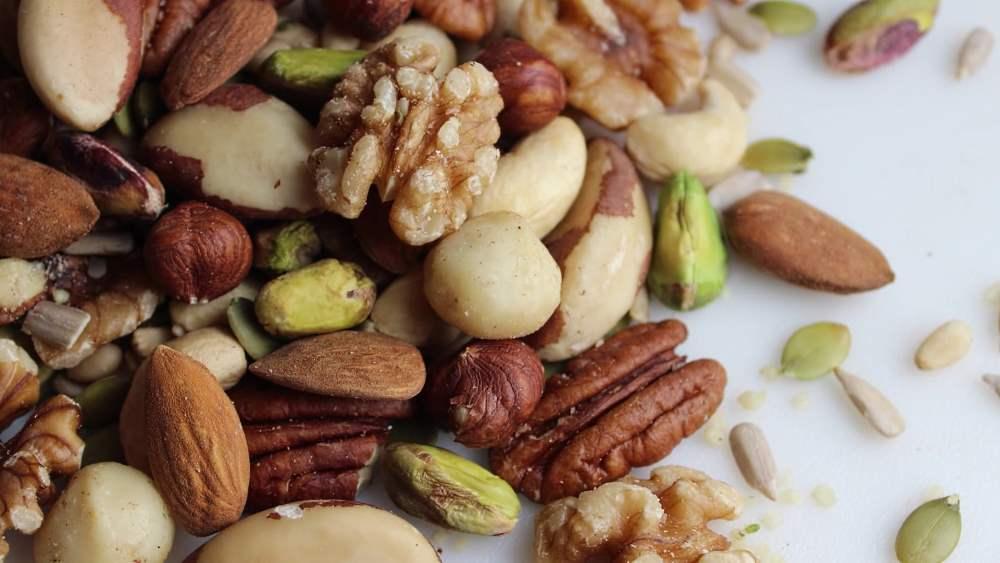 Польза или вред? можно ли есть орехи при разных формах гастрита и когда продукт противопоказан?