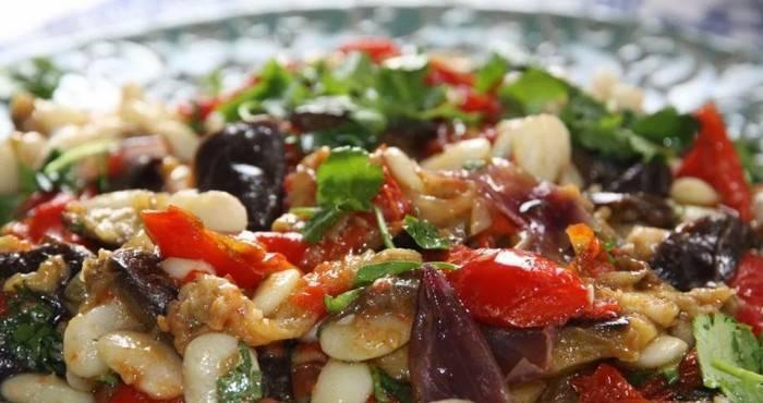 Салат с фасолью на зиму — 10 вкуснейших рецептов