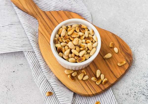 Орехи при грудном вскармливании (вред и польза) + рецепты