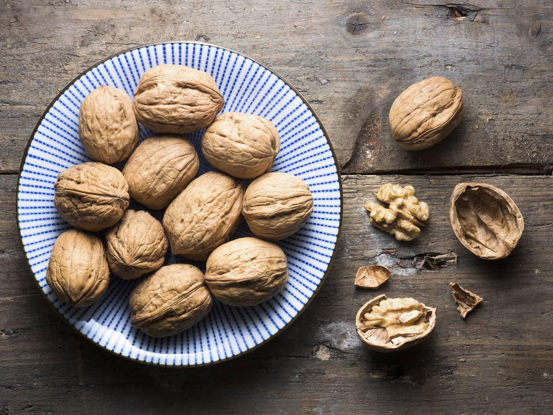 Горькие грецкие орехи что делать
