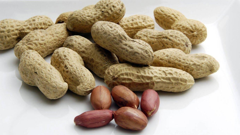 Что представляет собой арахис и как он влияет на организм человека? полезные свойства и противопоказания ореха