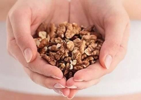 Грецкий орех детям - можно ли, польза, с какого возраста (масло, настойка)?