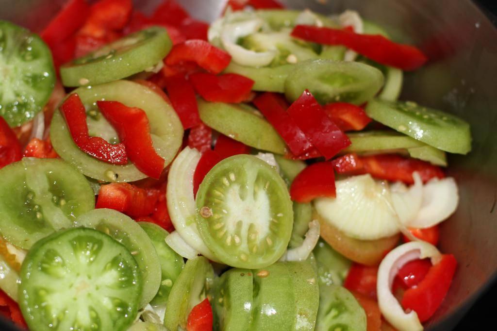 Салат из зеленых помидор на зиму - простые рецепты вкусного салата