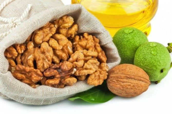 Орехи и сметана для потнеции