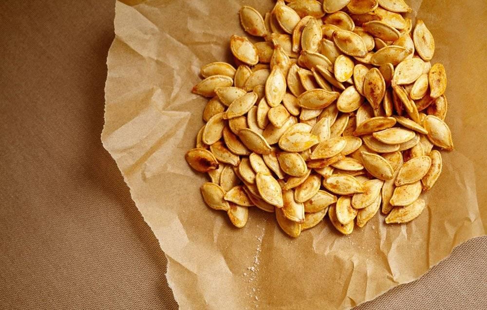 Тыквенные семечки: польза и вред для мужчин и женщин, сколько съедать