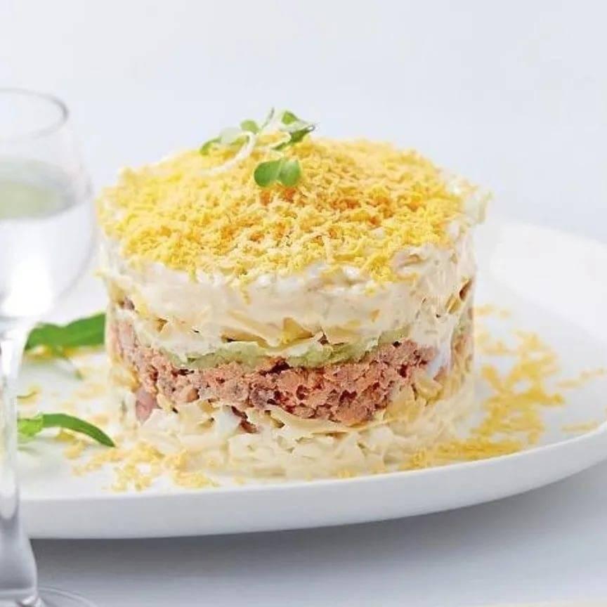 Салат из рыбных консервов - 141 домашний вкусный рецепт приготовления