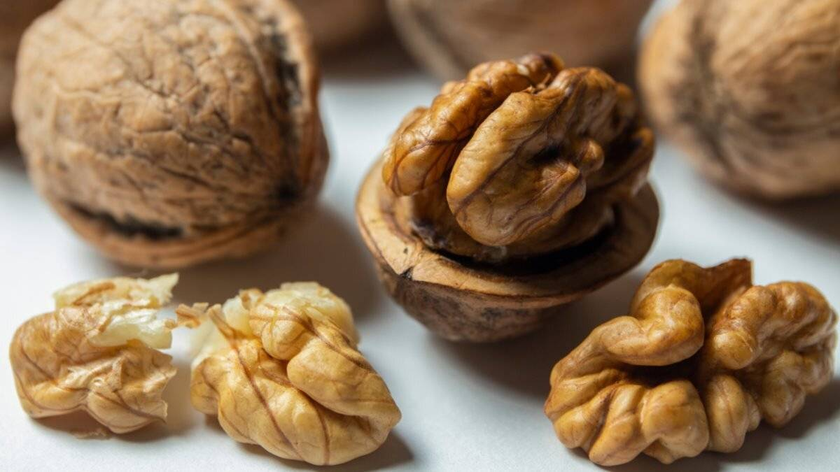 Съели грецкий орех? не выкидывайте скорлупу, она полезна!