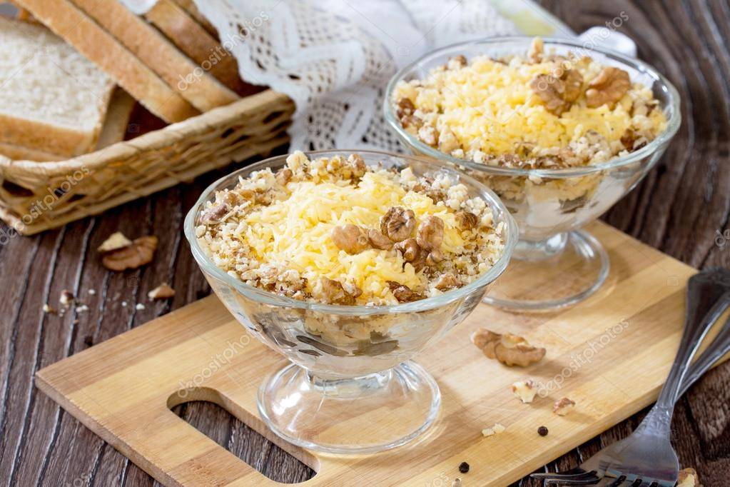 Салат с курицей и орехами - 1286 рецептов: салат с курицей   foodini